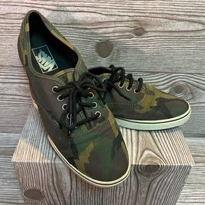 Vans Camouflage Size 10 Like New